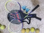 Продам бадминтон и мячи для тенниса